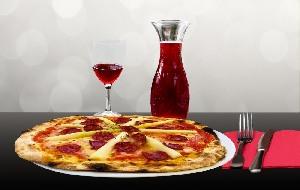 Restaurant und Pizzeria Holzofen mit Pizza und Döner Lieferservice in Ahlen.